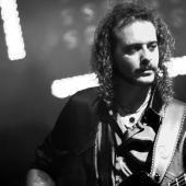 Daniele Vicario Bass.....Man....